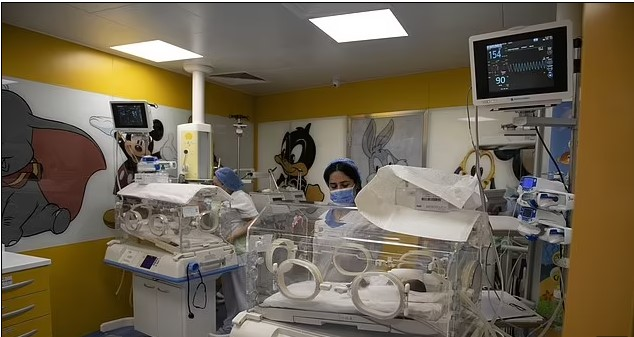 Woman 'gives birth to Ten babies' in new world record